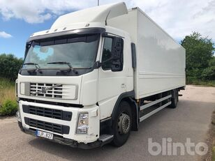 VOLVO FM9 box truck